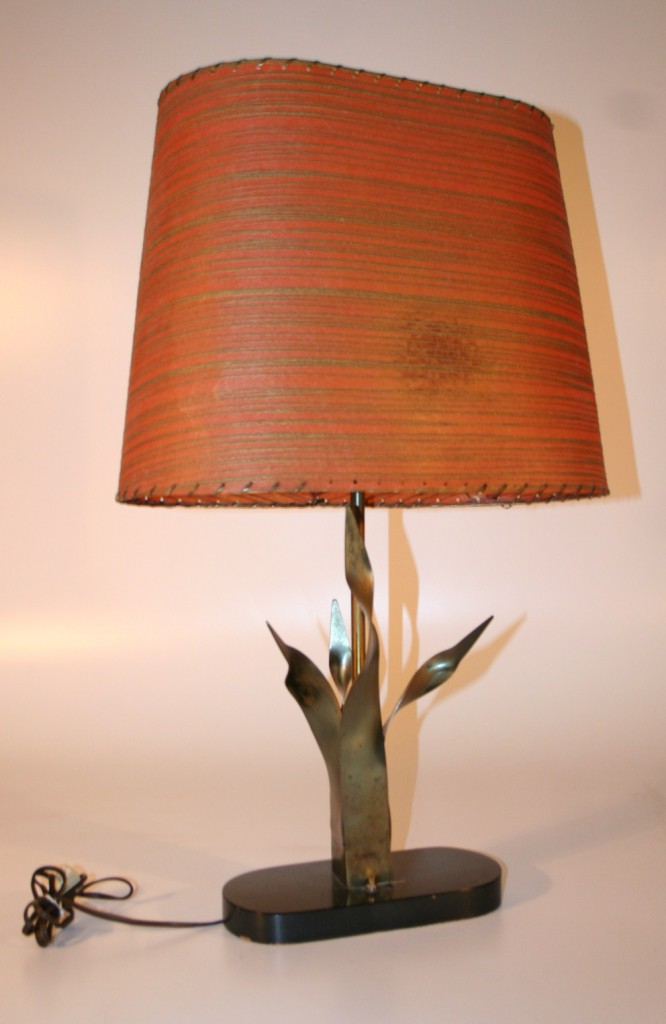 0590 Mid Century Modern Wood and Metal Lamp